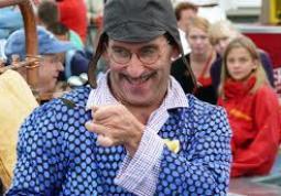 Adrian Schvarzstein regista dello spettacolo Younak della Compagnia Circus Younak, in prima europea a Busca a fine giugno